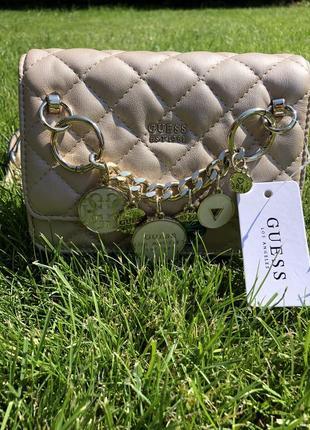 Маленькая классическая сумочка