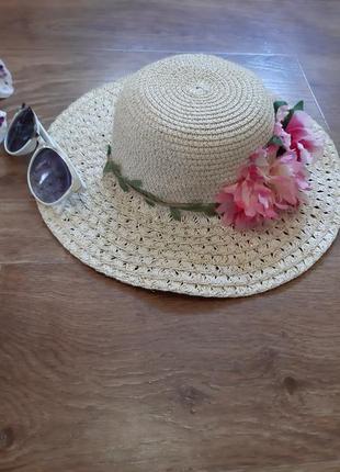 Шляпа плетеная, соломенная, пляжная с цветком