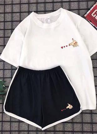 Отличный женский спортивный комплект футболка и шорты