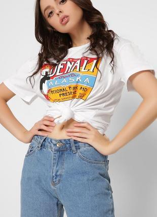 Стильная футболка oversize