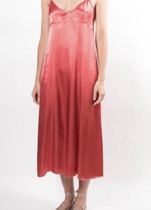 Шикарное легкое платье в бельевом стиле