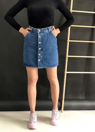 Стильная джинсовая юбка на пуговицах, в наличии 36-42
