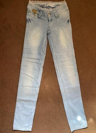 Супер красивые летние джинсы вагон waggon 26 о.