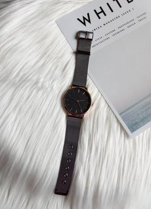 Красивий годинник