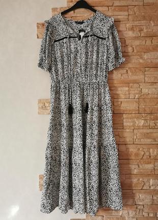 Нежное платье миди из вискозы