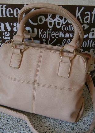 Красивая, стильная сумка с ремнем. next