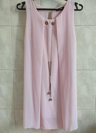 Нарядное шифоновое платье нежно розового цвета