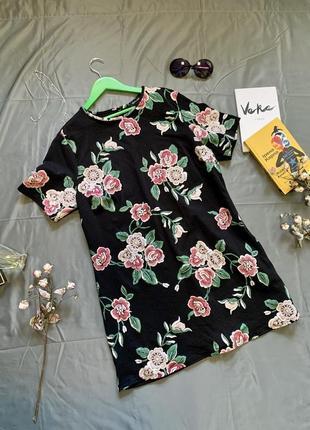 Платье в цветы, платье прямого кроя