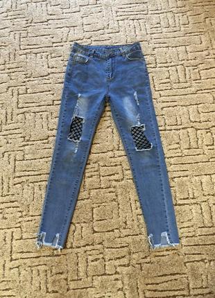 Крутые модные джинсы