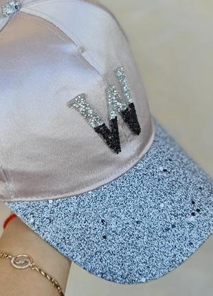 """Модная, стиляшная, брендовая snapback бейсболка unisex с буквой """"w"""" ."""
