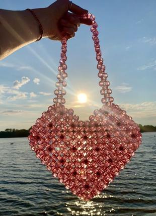 Шикарная розовая сумка из бусин сердце