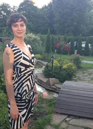 Платье миди карандаш футляр трапеция белое черное принт с запахом  нарядное