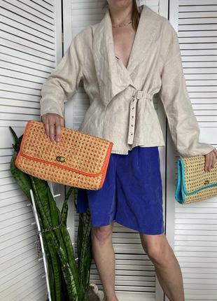 2 плетёные из соломы сумочки клапаном на замочке. оранжевого и бирюзового цвета. есть подкладка и внутренний карман. f&f.