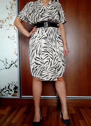 Бежевое платье рубашка в актуальный анималистичный принт