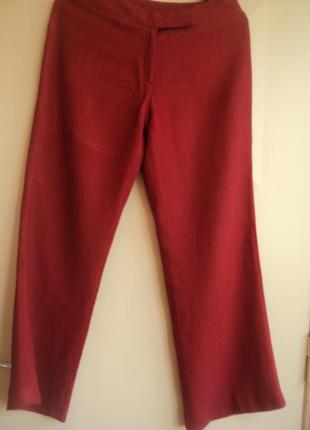 Льняные брюки палаццо шикарного цвета.