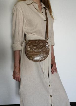 Красивая модная сумочка reserved