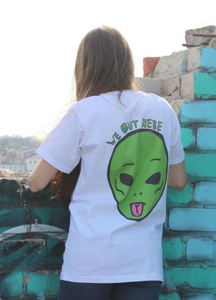 Белая футболка ripndip c инопланетянином