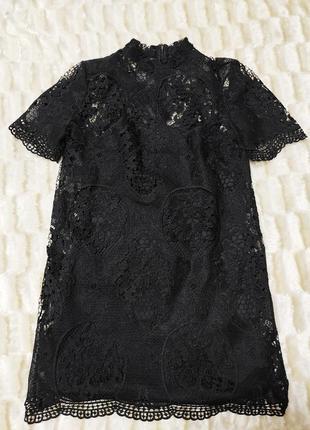 Черное ажурное кружевное платье прямого кроя вечернее котельное прямого кроя