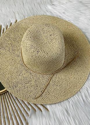 Соломенная шляпка (пляжная, городская)