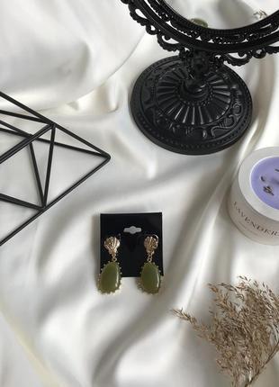 💕акція 1+1=3 стильні сережки з зеленим камінцем, серьги с камушком 🌿з сайту asos
