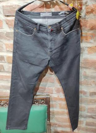 Фирменные джинсы. оригинал
