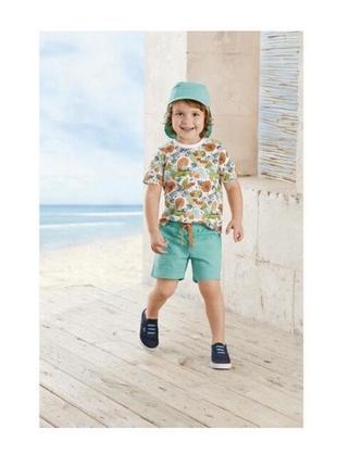 Літній яскравий комплект для хлопчика футболка+шорти+кепка/панама