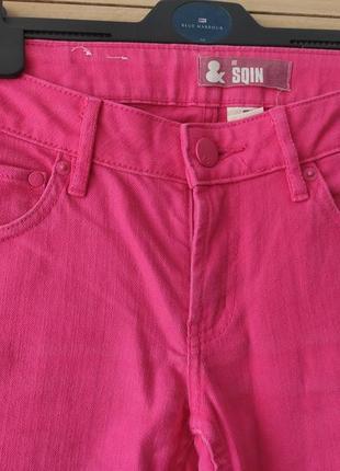 Продам яркие розовые джинсы