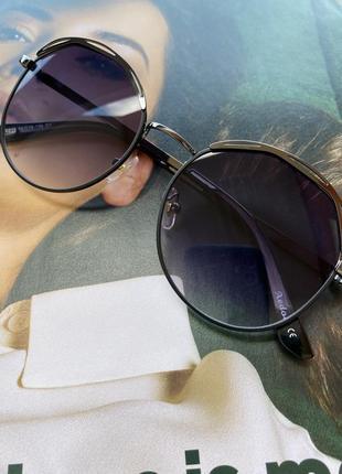 Сонцезахисні окуляри, класика, 2021
