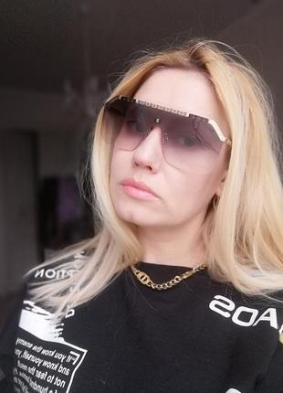 Эксклюзивные брендовые солнцезащитные  очки унисекс на среднее и широкое лицо 2021