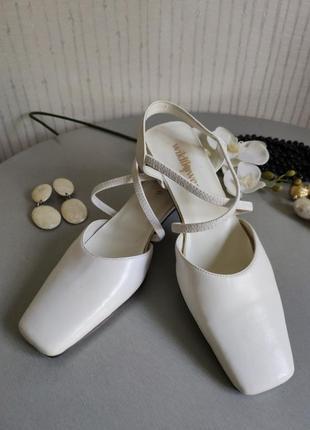 Босоножки белые квадратный носок винтаж 🔥🔥🔥
