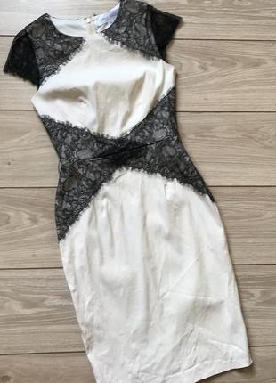 Платье нарядное с кружевом из вискозы эластан