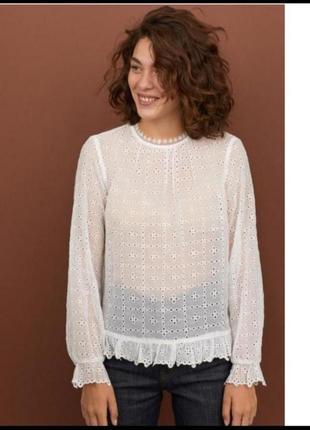 Актуальная блуза с вышивкой ришилье