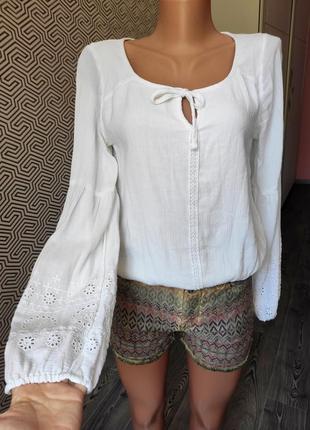 Блуза белая летняя  рукава фонарики hollister размер s  котттоновая свободного кроя