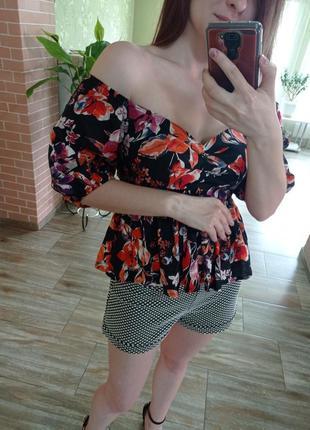 Летняя блуза с объемными рукавами и басмой