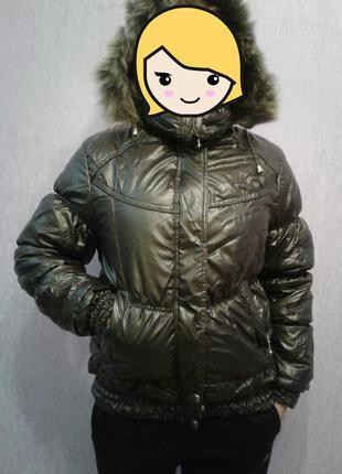 Зимняя куртка с утеплителем из меха