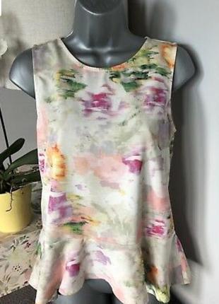 Нежная летняя блуза, топ без рукавов с оборкой-баской h&m