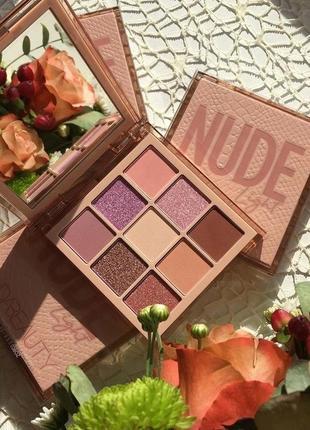 💗🥰палетка/палитра теней для век huda beauty light nude obsession