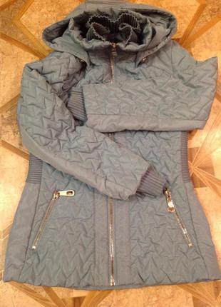 Отличная демисезонная курточка, удлиненная