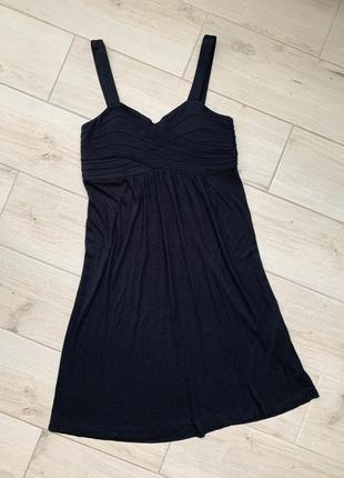 Женское чёрное платье до колена на бретельках однотонное миди свободное
