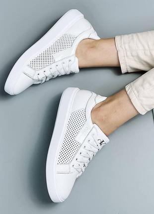 Шикарные женские кожаные белые кроссовки кеды с перфорацией 🔸кросівки кеди