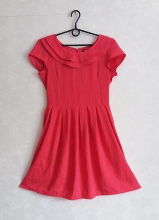 Летнее лёгкое платье красного цвета