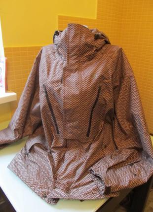 Зимняя  куртка nike acg