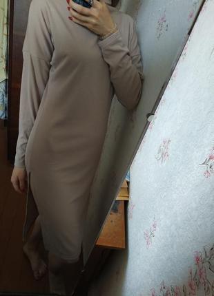 Нежное платье в рубчик. размер s