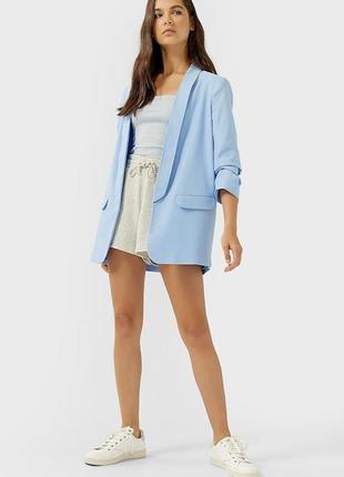 Голубой пиджак stradivarius