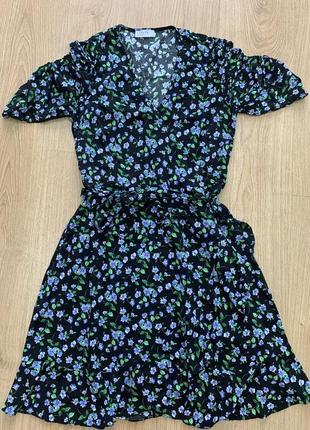Платье на запах из 100% вискозы