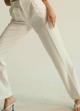 Классические белые брюки от lipinskaya , білі літні штани