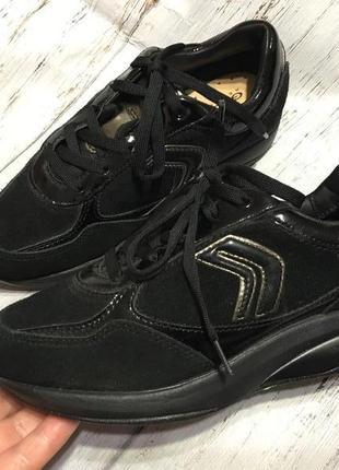 Кожаные кроссовки geox р 36