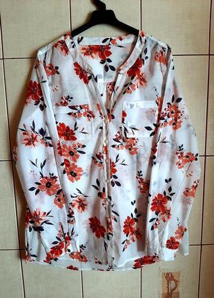 Белоснежная рубашка в цветах из тончайшего хлопка