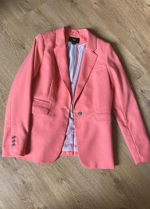 Жіночий піджак жакет