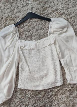 Белый топ - блузка